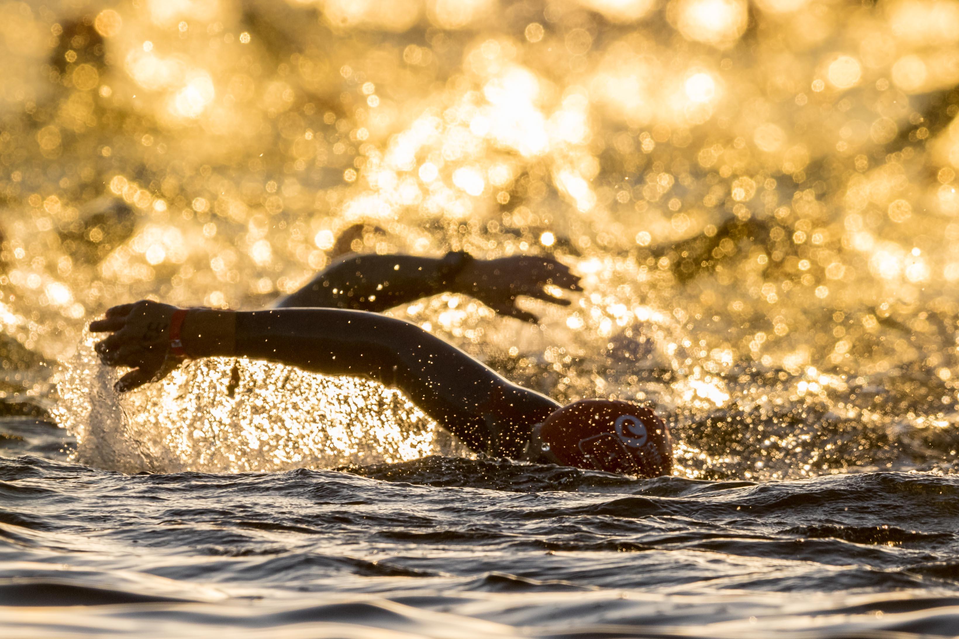 10-09-2016: Triathlon: Triathlon Challenge Almere: Almere